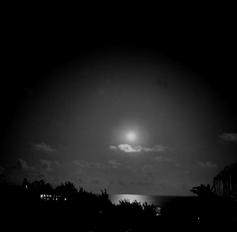 Moonrise, South Shore - Bermuda